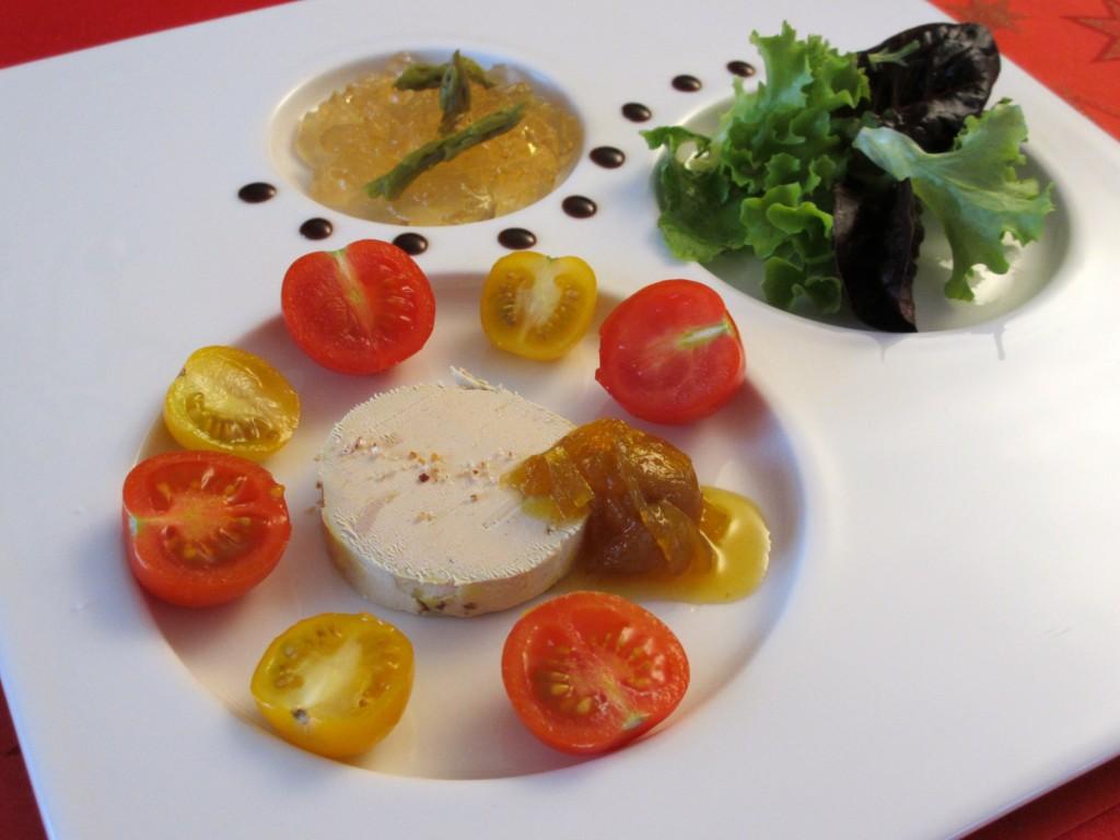 Assiette de foie gras et ses accompagnements diet for Decoration a l assiette