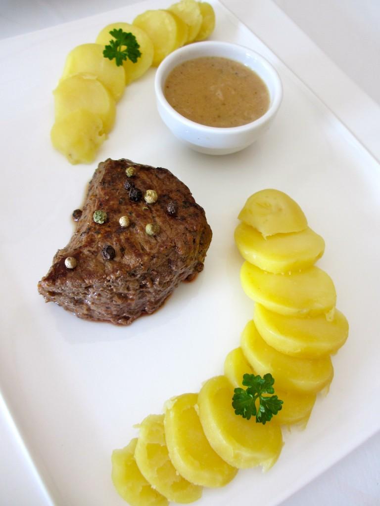 pav de boeuf et sa sauce au poivre diet d lices recettes diet tiques. Black Bedroom Furniture Sets. Home Design Ideas