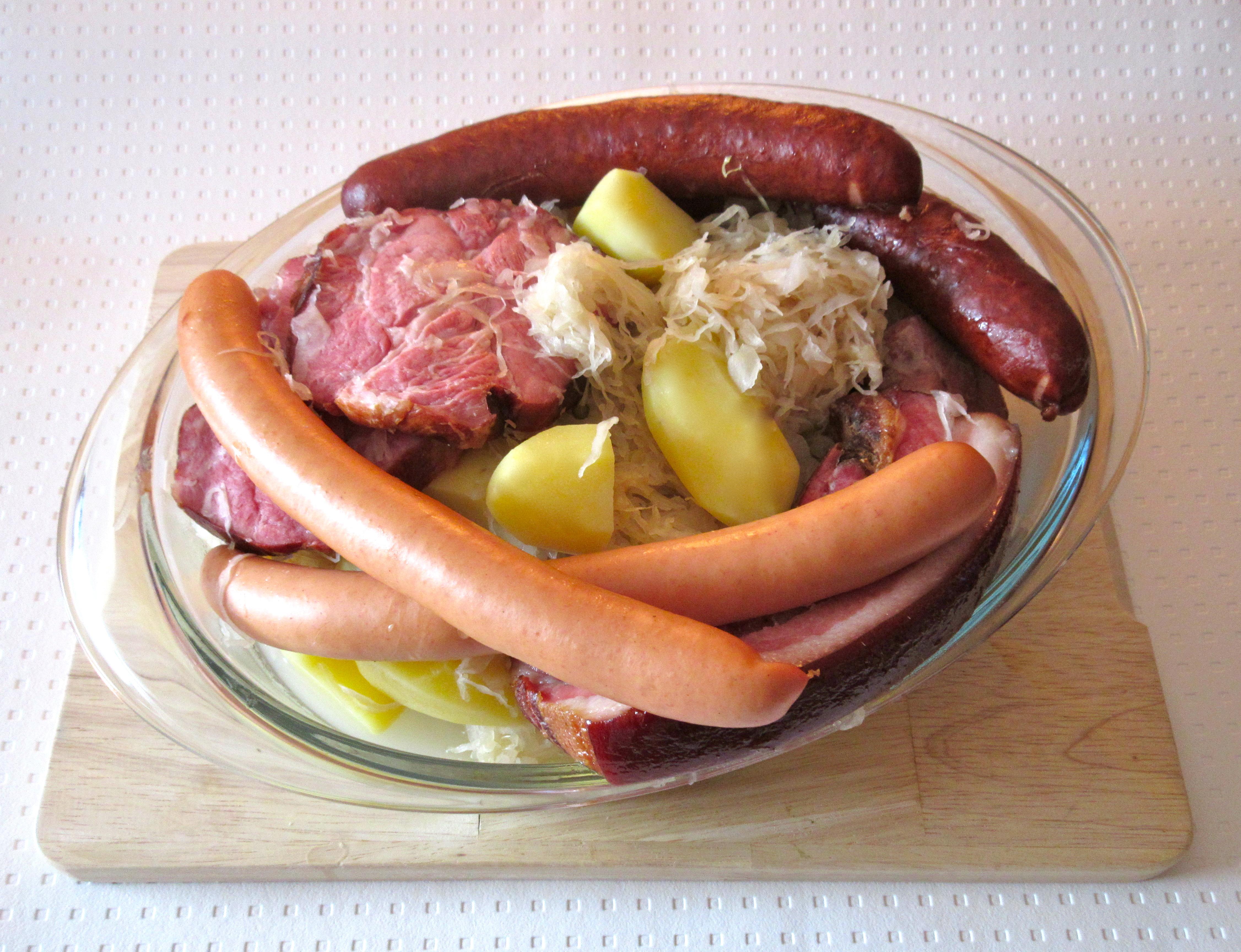 Choucroute garnie base de choucroute crue diet - Recettes cuisine alsacienne traditionnelle ...