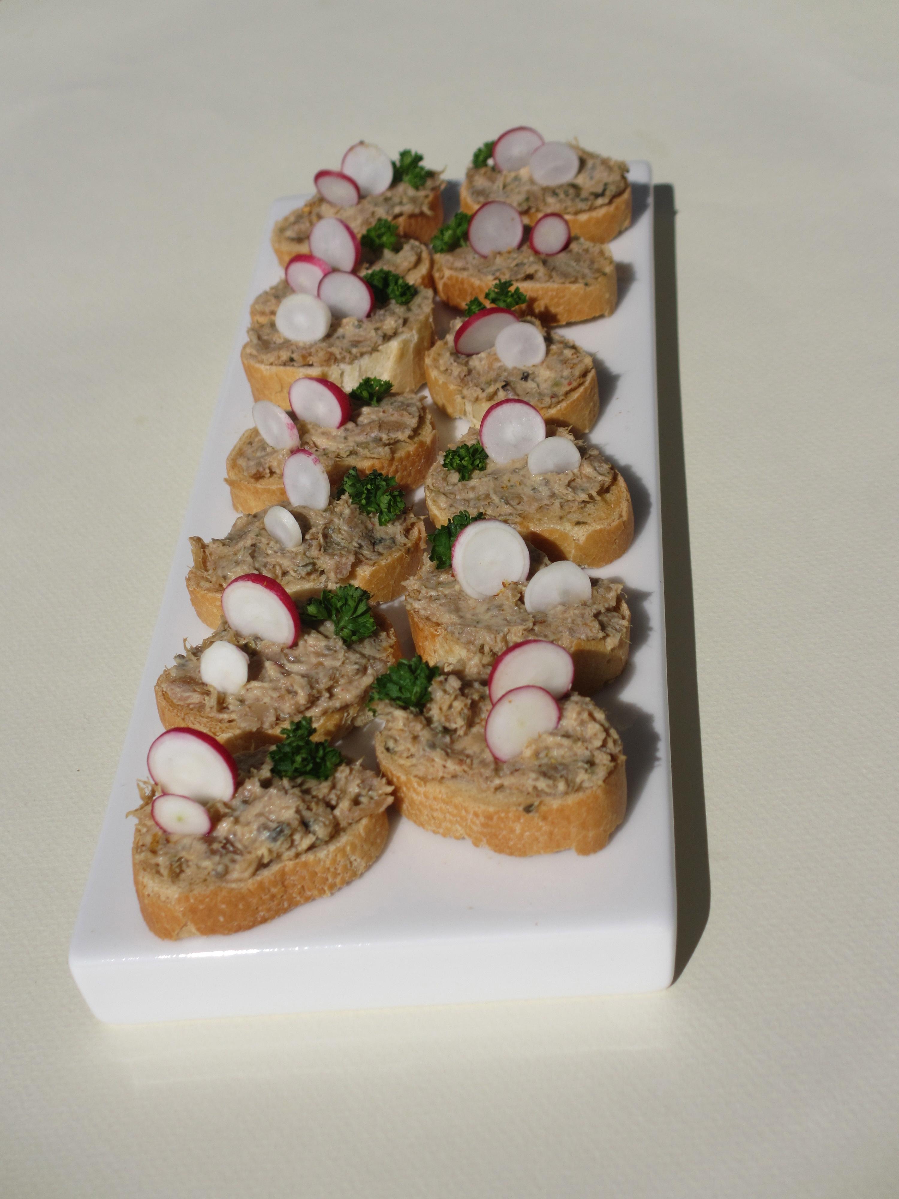 Toasts aux rillettes d'ormeaux