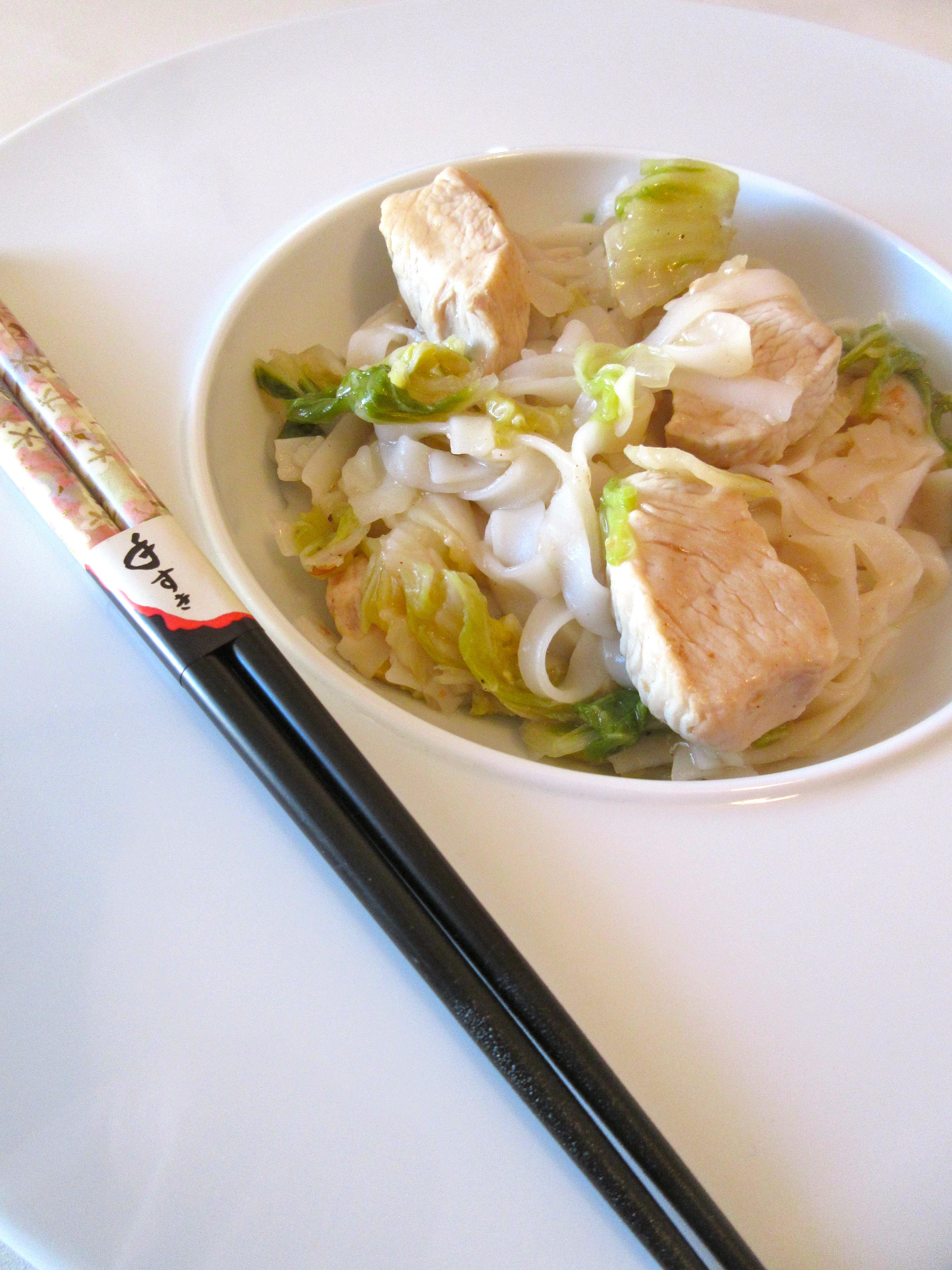 Nouilles de riz à la dinde et au chou chinois