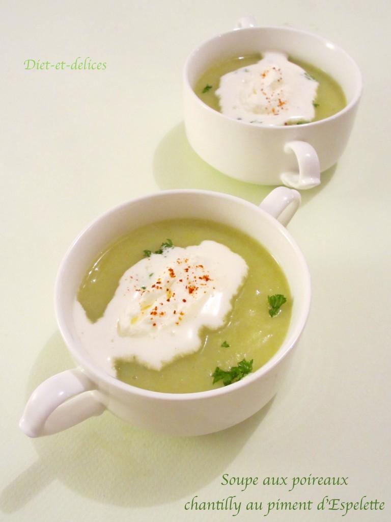 Soupe aux poireaux chantilly au piment d'Espelette