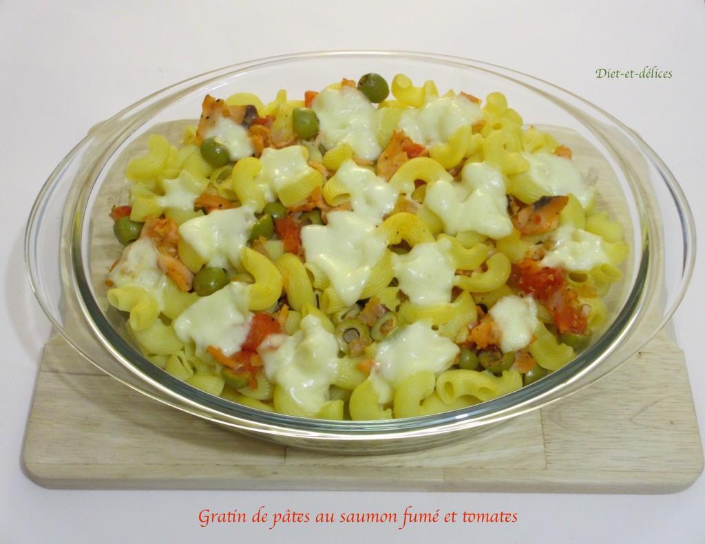 Gratin de pâtes au saumon fumé et à la tomate