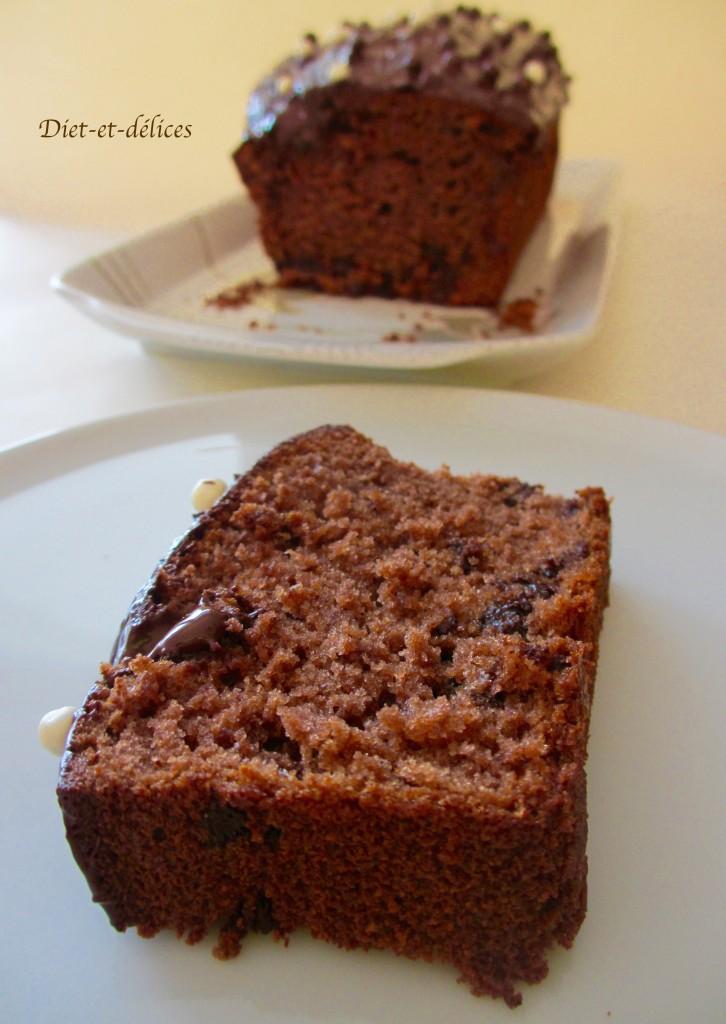 Cake au cacao et pépites de chocolat