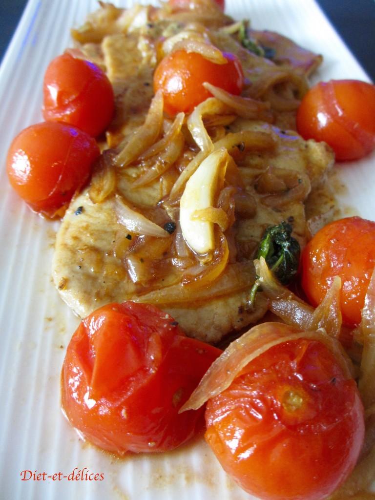 Grillades de porc, tomate et basilic