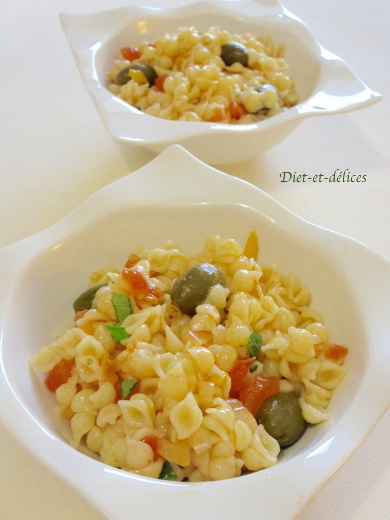 Salade de pâtes aux olives picholines et poivrons