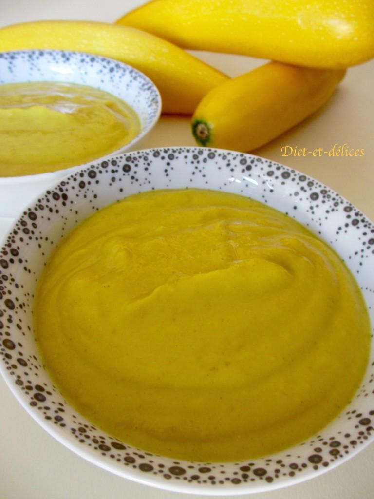Soupe froide de courgettes jaunes au curry
