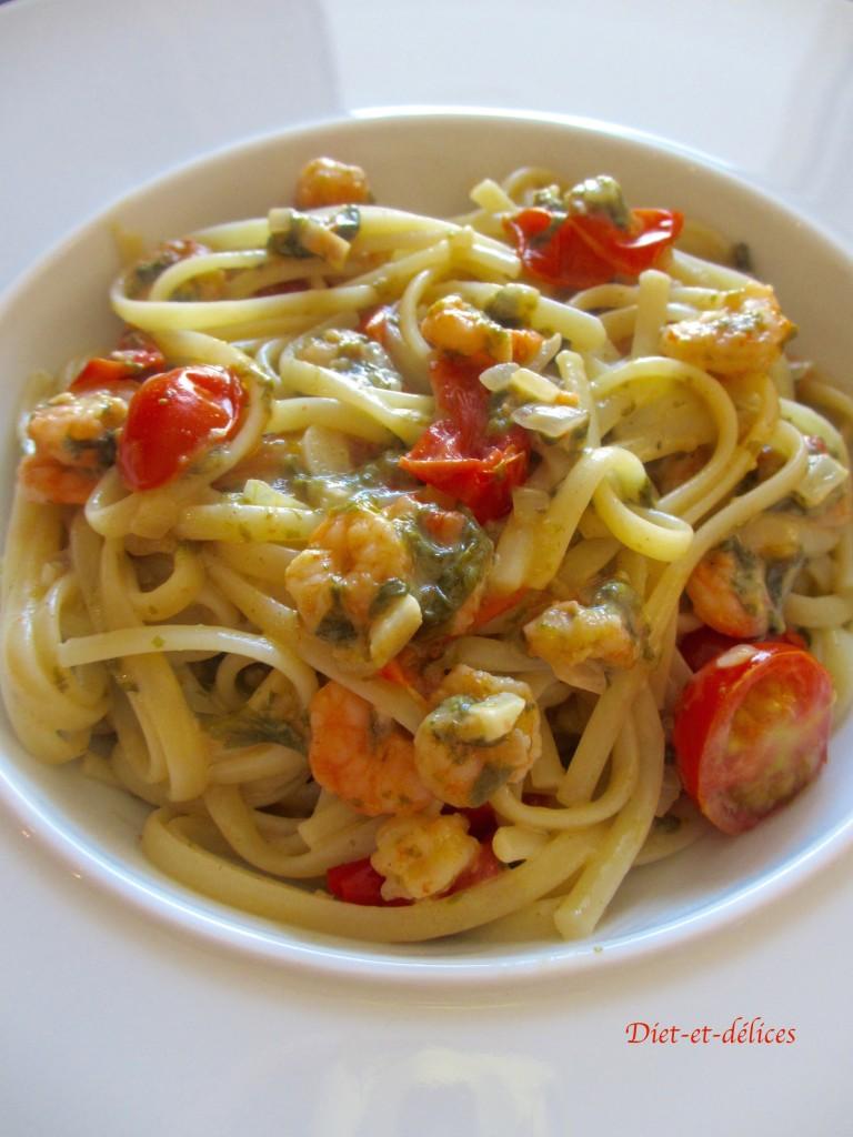 Linguine aux crevettes, aux tomates cerises et à l'oseille