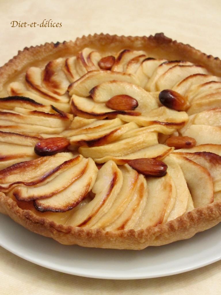 Tarte aux pommes, miel aux amandes
