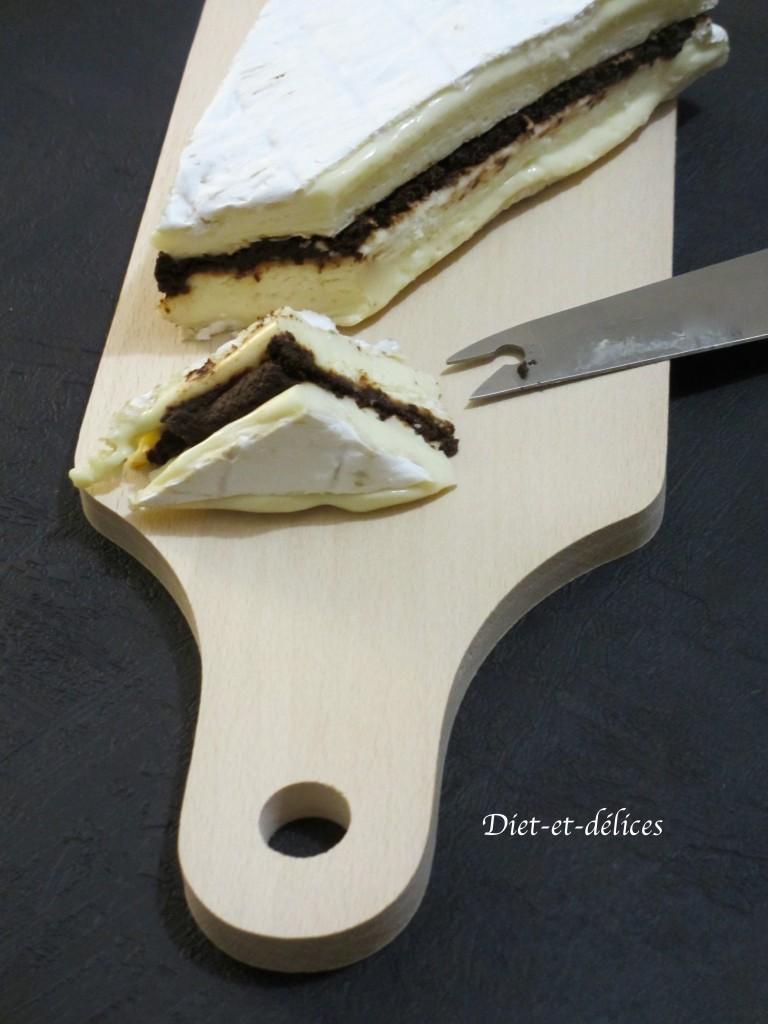 Brie à la tapenade