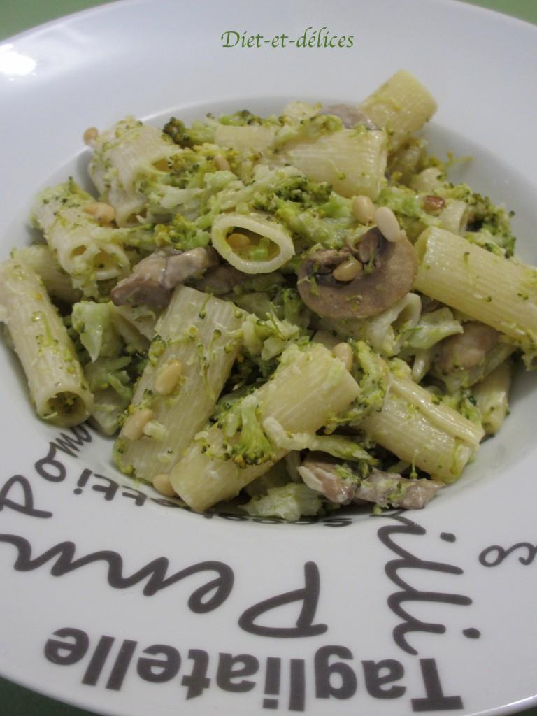 Pâtes au brocoli et aux champignons