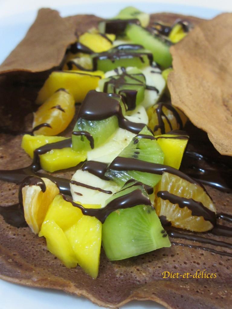 Crêpes cacaotées aux fruits frais