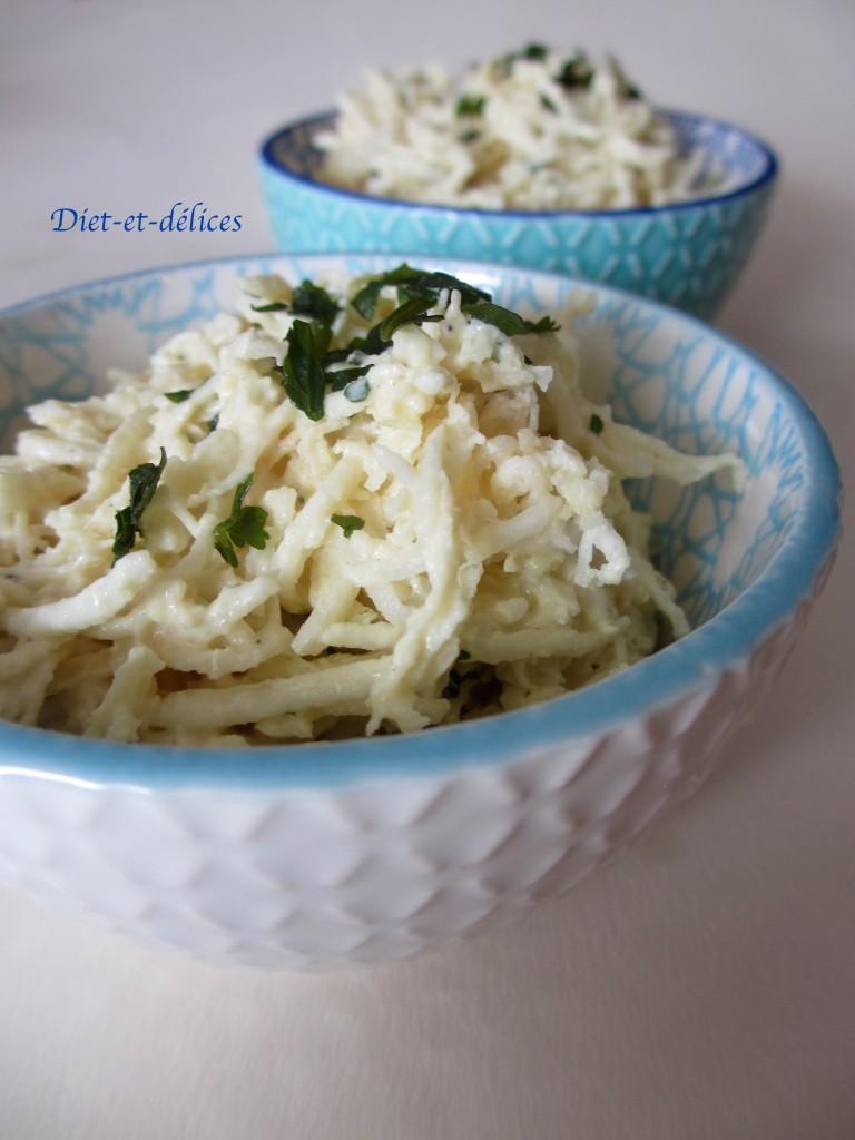 Céleri rave, sauce légère au fromage blanc et à la moutarde